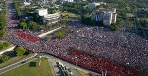 Un 1er mai, place de la Revolucion à La Havane [dr]