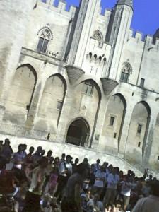 festival-avignon-olivier-py-front-national-FN